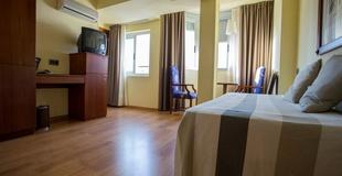 1 BEDROOM APARTMENT  (4 adults) Aparthotel Torreluz